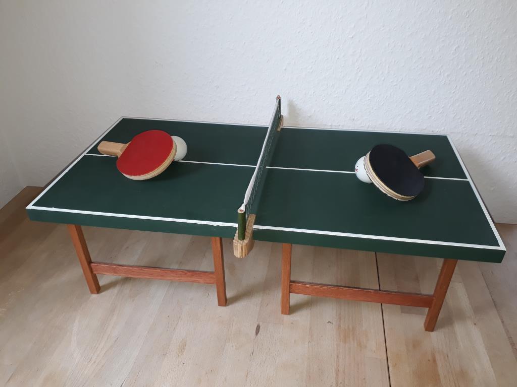 Mini-Tischtennisplatten abzugeben
